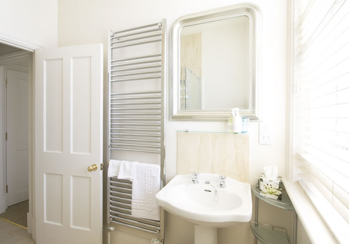 Wellington - Bathroom | Duke House | City Centre Boutique Bed and Breakfast | Duke House, Cambridge, UK